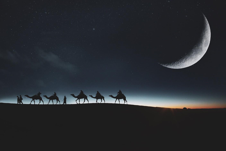 Caravan-Night-Crescent-Moon